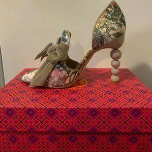 1377263585b7 Tory Burch Shoes - NWT Tory Burch Clara Floral Pumps